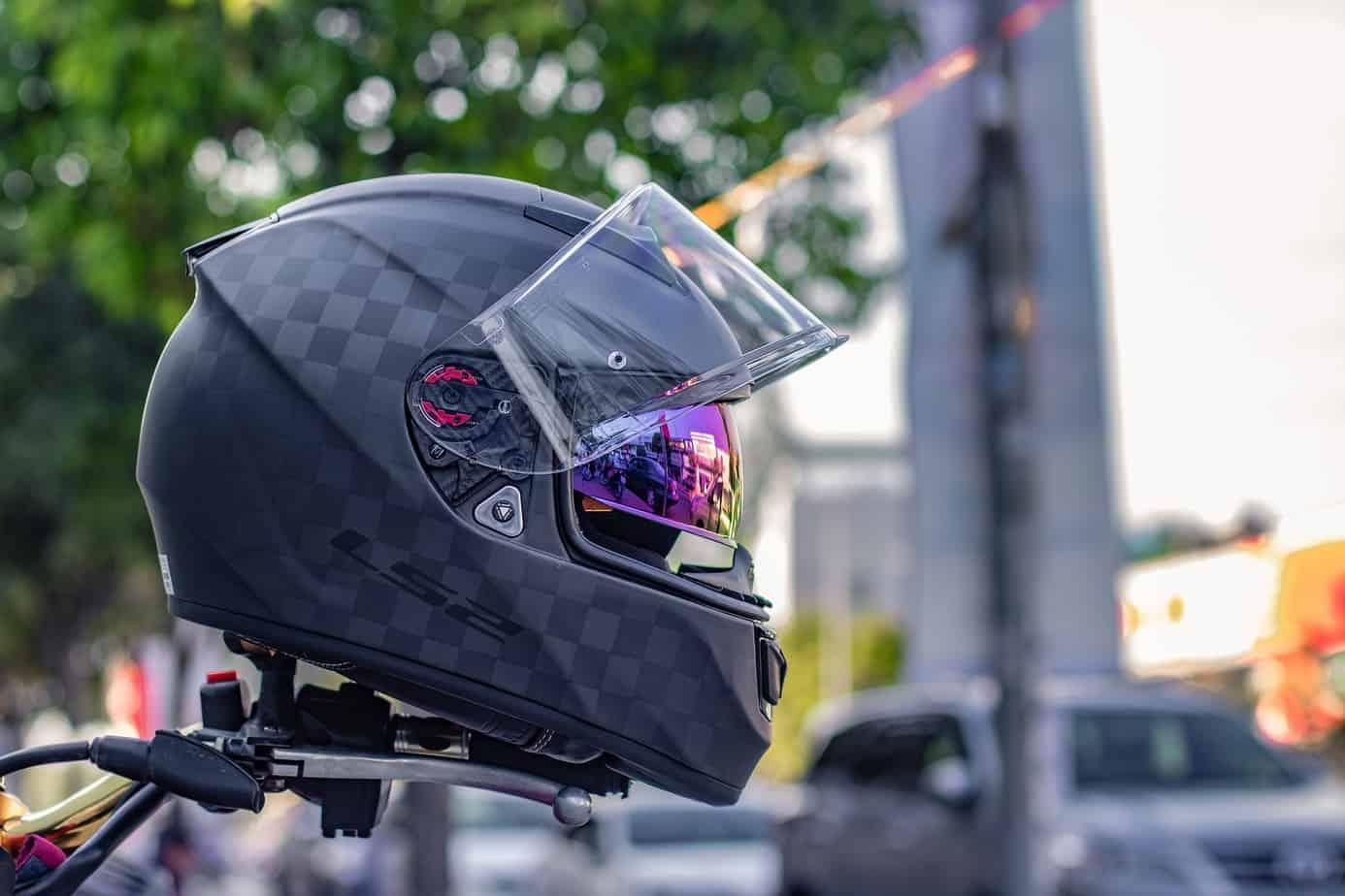 helmet-types-feat